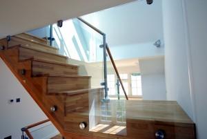 מדרגות עץ מעוצבות