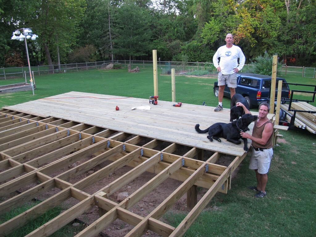בניית דק מעץ עשה זאת בעצמך